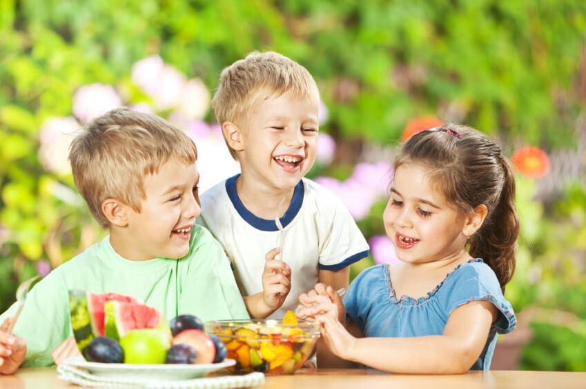 Намаляват калориите в менюто на децата