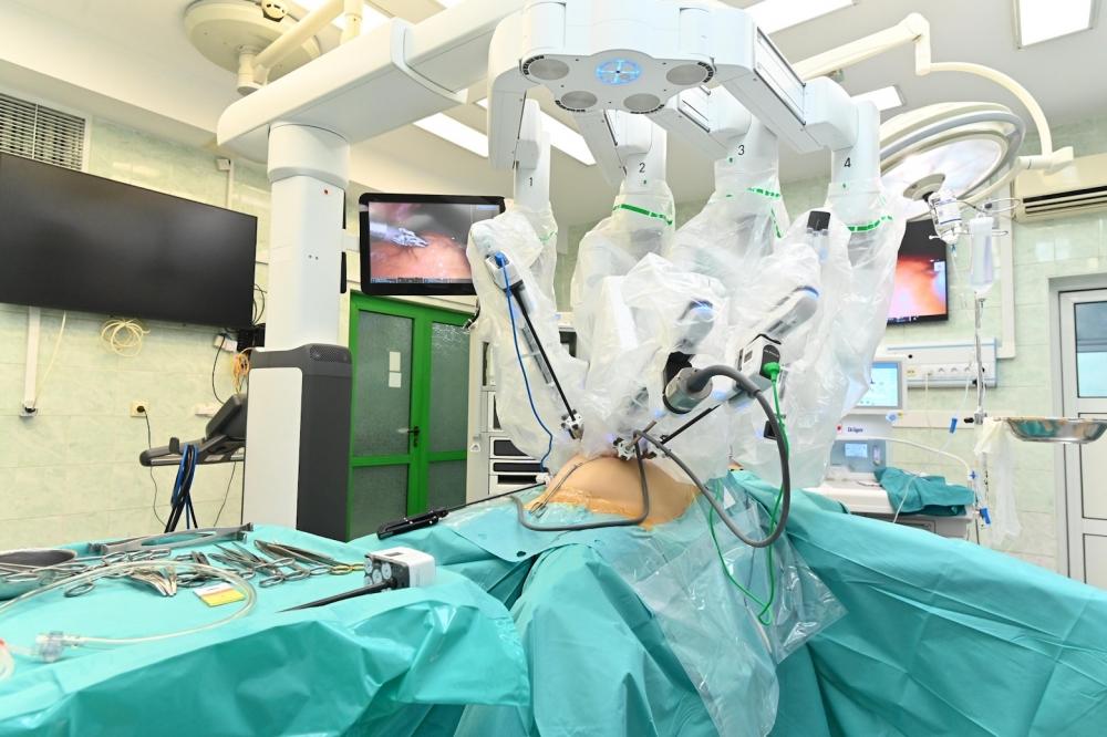 Първа операция с робота Да Винчи във Варна