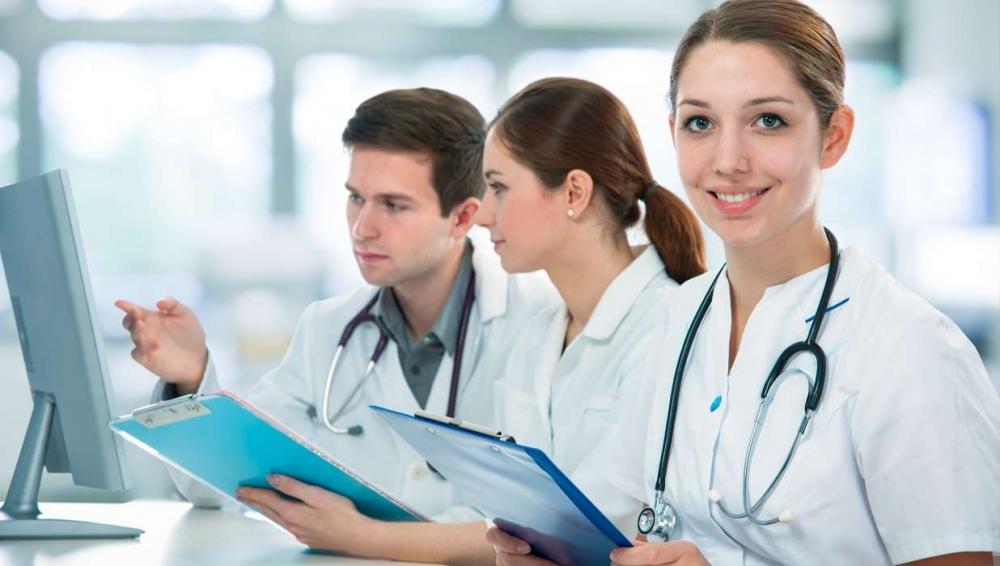 Плащат медицината срещу работа в БГ