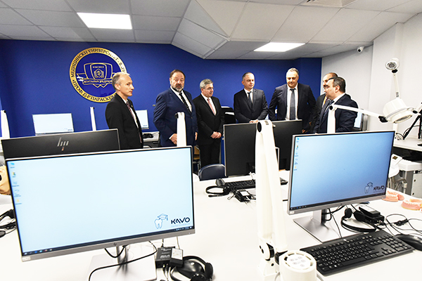 Нови зали за симулационно обучение в МУ-Варна