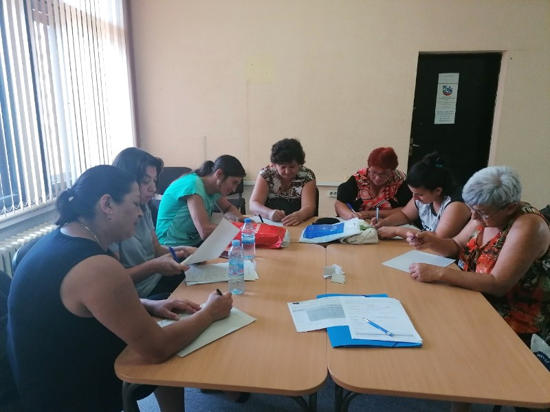 Изпит на социални асистенти в Полски Тръмбеж в рамките на обучение за предоставяне на патронажни грижи, организирано от БАПЗГ